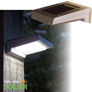Luxform  Solar Wall Light = Madison